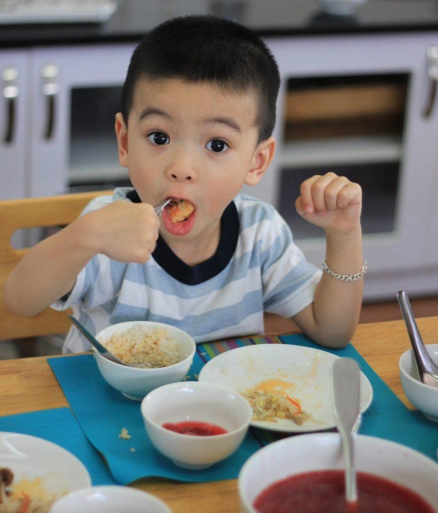Chế độ dinh dưỡng an toàn cho trẻ